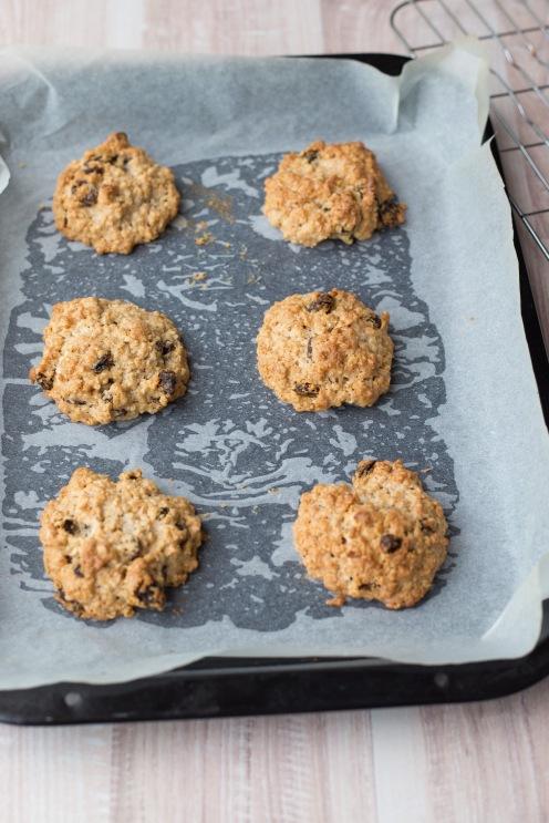 Oatmeal and raisin cookies 6